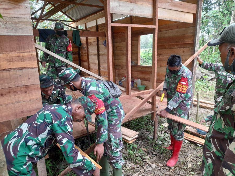 Kodim 1002/Barabai Bantu Bangun Rumah Warga Korban Banjir Di HST